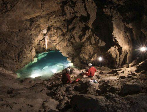 Sifone nella grotta Bus della Spia